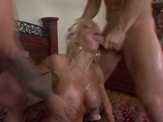 Free download & watch super hot bimbo danielle derek gets fucked         porn movies