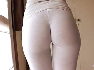 Gorgeous Latina Body Wetting Her White Yoga Pants Cameltoe