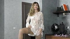 Full-Bush 44yr-old Auntie Olga Gets-off in Stockings