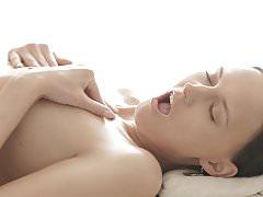 Artemida enjoys deep fuck after oily massage