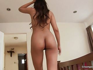 Thai girl rides cock like a pro