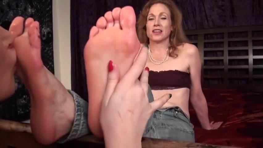 Asian Lesbian Feet Worship