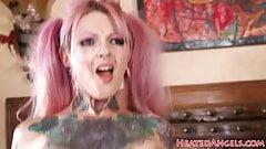 Busty tattooed emo gets orally pleasured