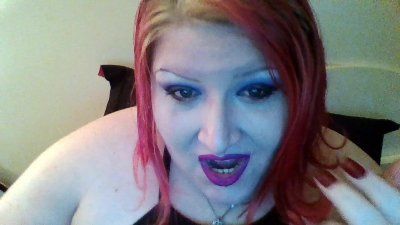 Submit to bbw findomme goddess mistress vyxen
