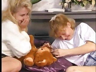 2 HOT lesbian teens playing