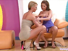 Alison Star and Pearl Diamond Didlo Fuck Each Other