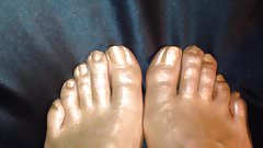 Gold-Bronze Feets oiled Spray
