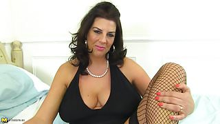 Seductive mature mother with big tits and hot body
