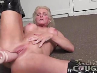 Preview 2 of Muscular cougar Mandy Foxx is masturbating in sexy boots