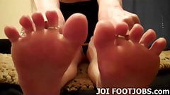 Let me wiggle my pretty little pink toes for you
