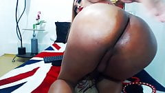 Super Hot Shemale Juicy Babe on Cam