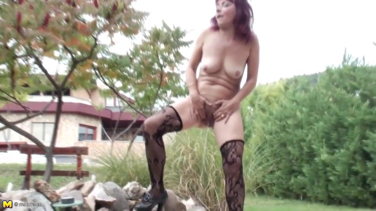 Naked girl to jerk off too