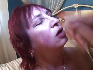 Natural mature mama gets her mouth filled with cum