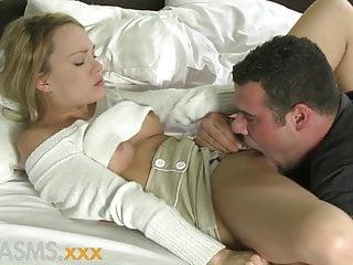 Rubia Muy Bonita Tiene Deseos Sexuales - Blue Angel