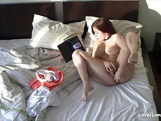 Download video bokep Brown-haired babe masturbates next to her laptop  Mp4 terbaru