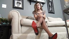 joi with the feet of a princess (nylon)