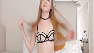 Hot Babe Masturbating Pussy so Hard