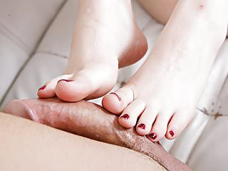 Charlotte Sartre using her silky toes!