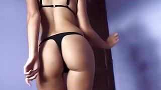 girl twerks so hot just in thong