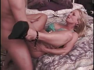 Horny stud gets his face rode by hot blonde