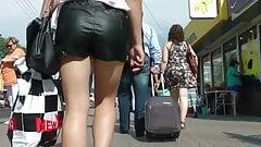 Candid ass walking in short jiggle booty