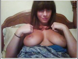 Hot girl shows big boobs and feet on chat