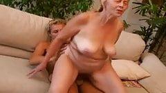 Vera: Oma Gepakt Door Haar Kleinkind