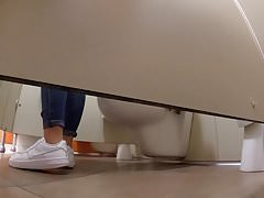 Teen mall bathroom