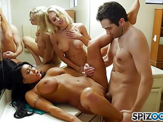 Spizoo - Watch those 3 friends get down and fuck each other