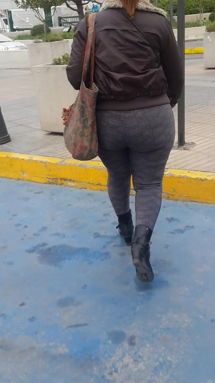Huge ass in Chile