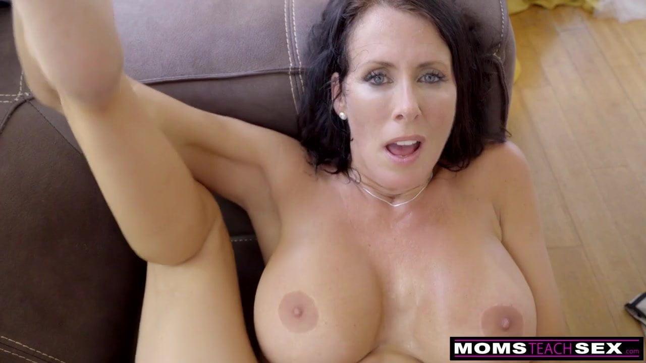 Momsteachsex - Step Mom and Son Cum Together S9 E1: Porn de