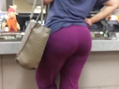 Phat Booty MILF in Purple Leggings