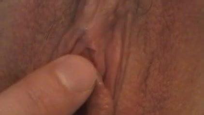 Hairy milf fingers snatch (innerworld)