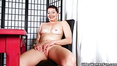 American milfs Lexxi and Kali masturbate in white panties