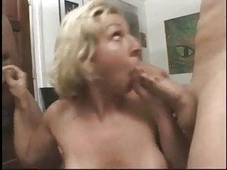 Teen cock sucker on 2 dicks