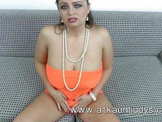 Big boobs tasteful - Hot milf with big boobs