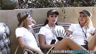 Teen les eats vag outdoor's Thumb