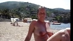 tit on beach