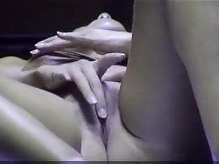 Girl masturbates in tanning bed