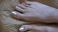 Pretty Pearly Toes