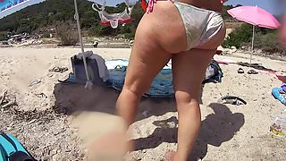 Le gros cul de flo en bikini