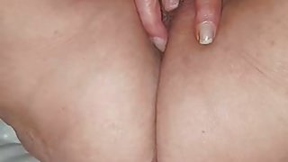 Wife playing with her mature pussy 's Thumb
