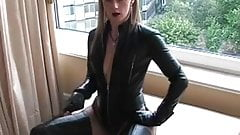 Fetish Lady Ann --Long Thighboots Desinger Whipe Domination