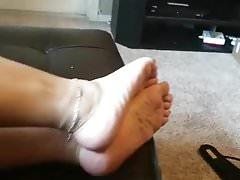 Amateur female orgasm video
