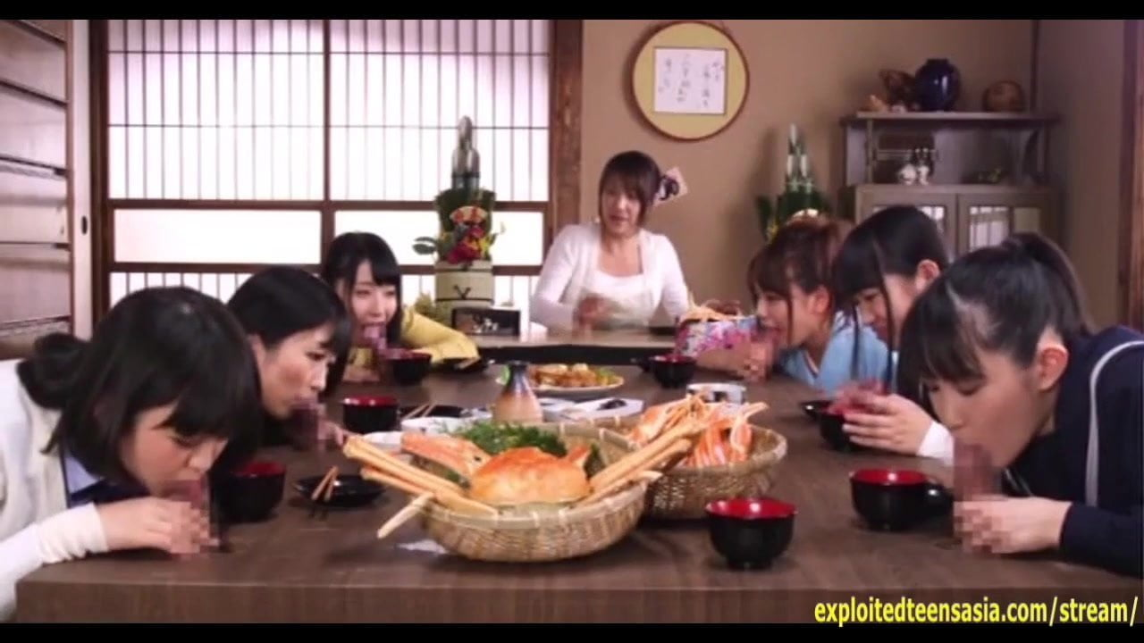 JAV Teen Ootsuki Hibiki Rides Glory Hole in Front of...