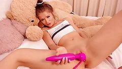 Pretty Teen Little Sarah Having A Nice Orgasmo