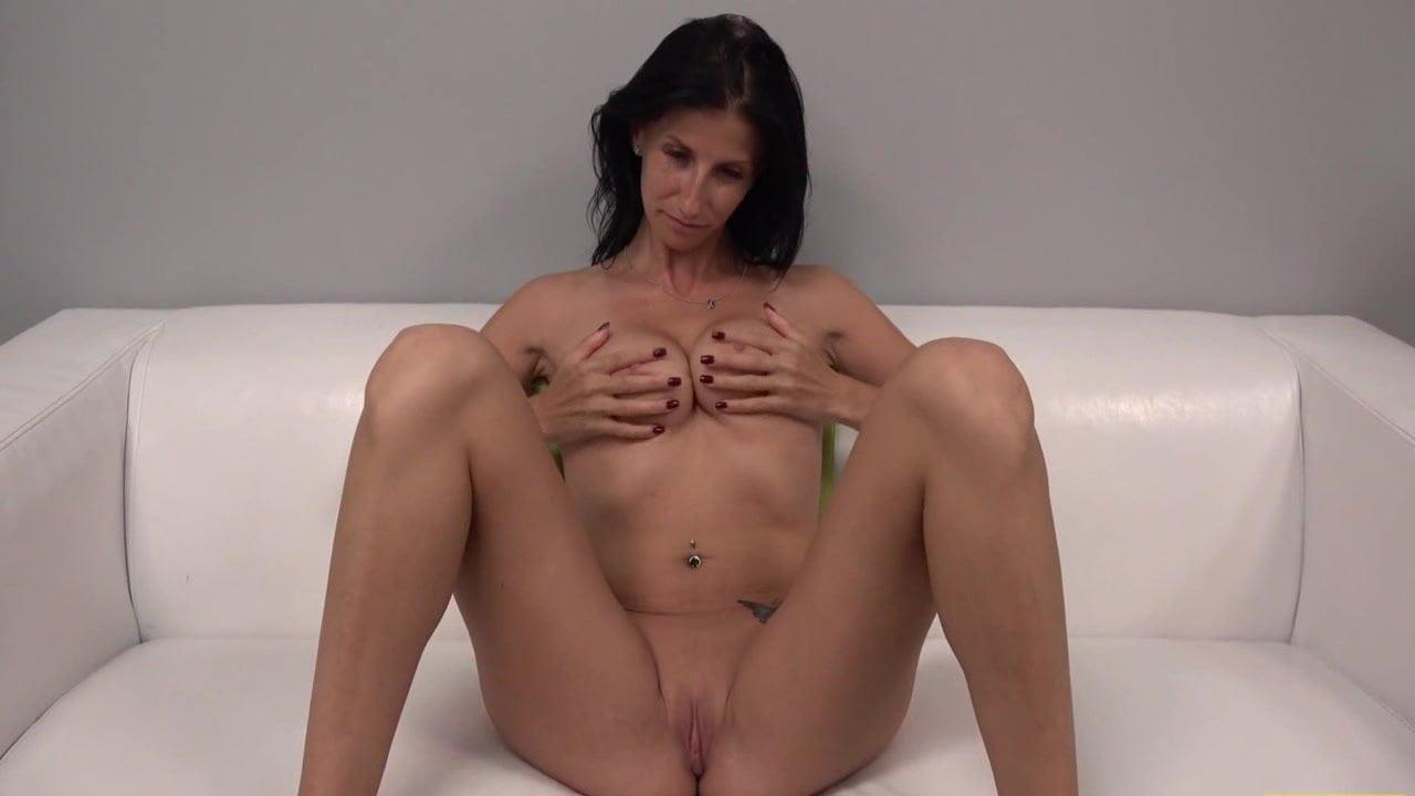 pizdu-publike-porno-kasting-u-chehii-mobilniy-fayloobmennik-seks