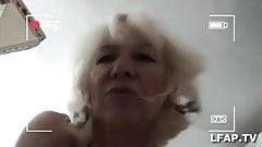 Mature se prend une belle bite avant l ejac faciale