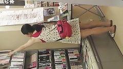 Teen Girl Up Skirt
