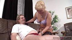 Hausmeister Krause bumst die kleine Polin von nebenan
